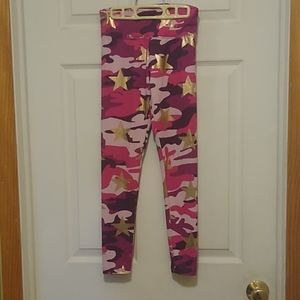 Pink camo leggings with stars